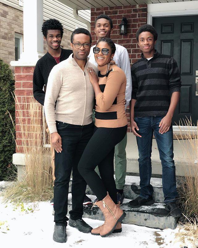 Omoni-Oboli-and-family